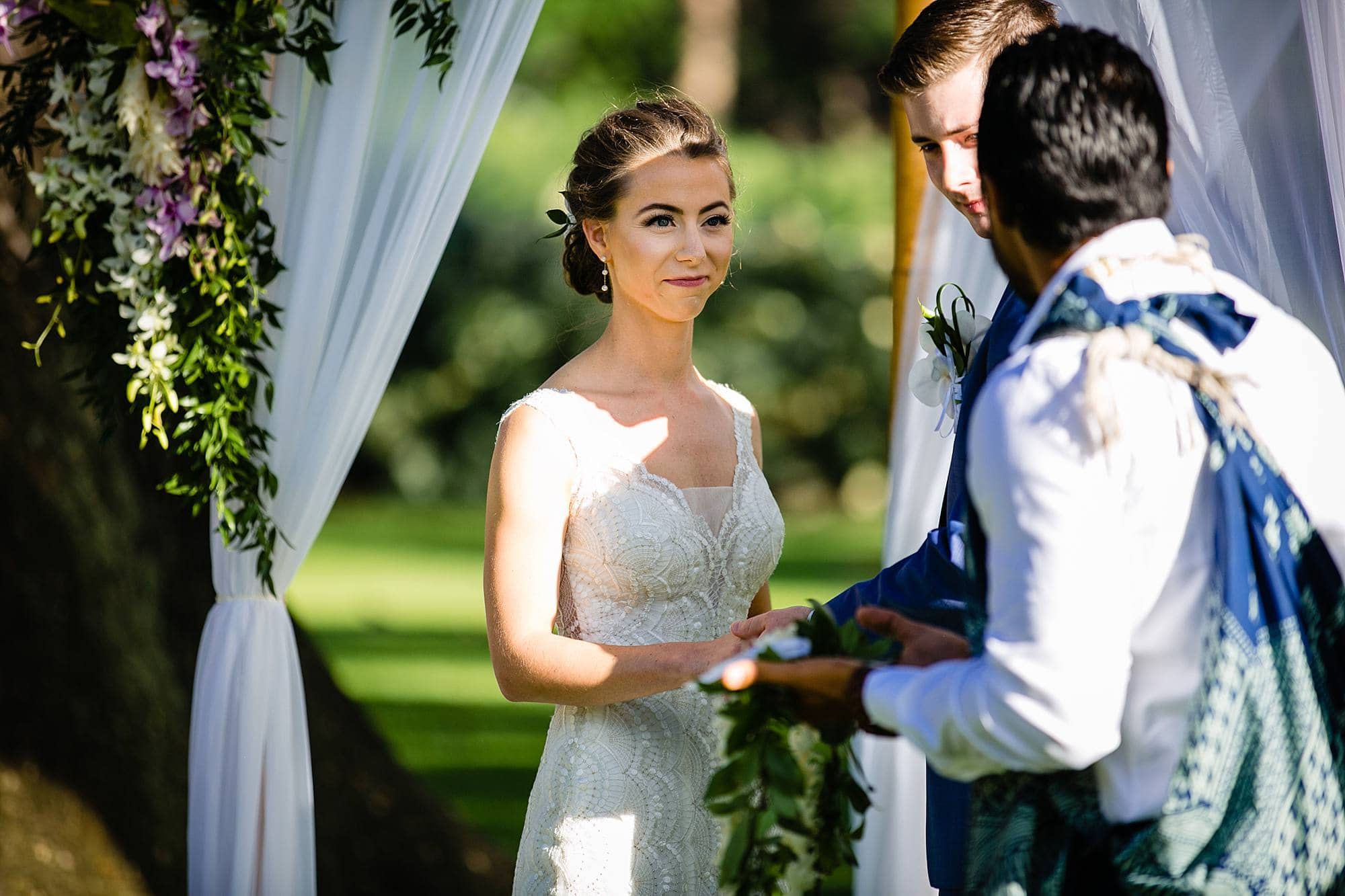 gorgeous bride at olowalu plantation house