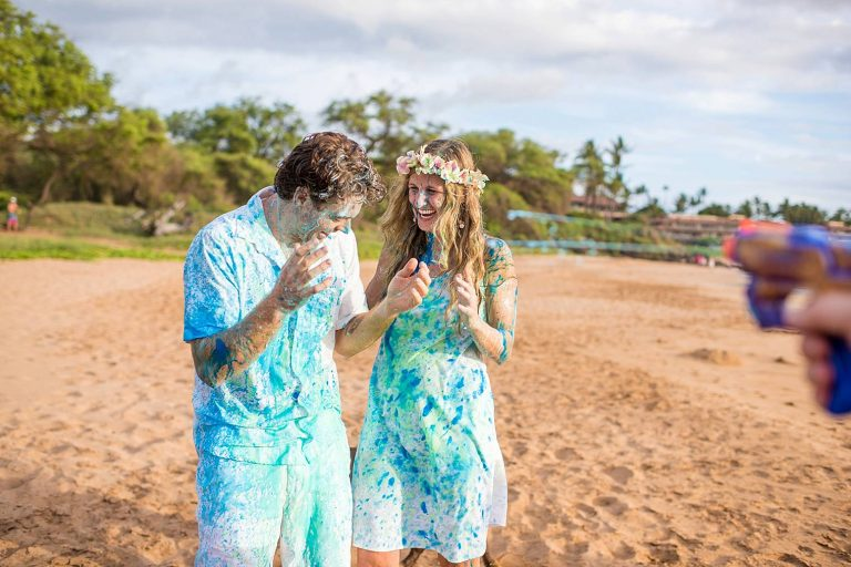 Gender Reveal Party at Chang's Beach | Maternity Photographer in Maui, Hawaii