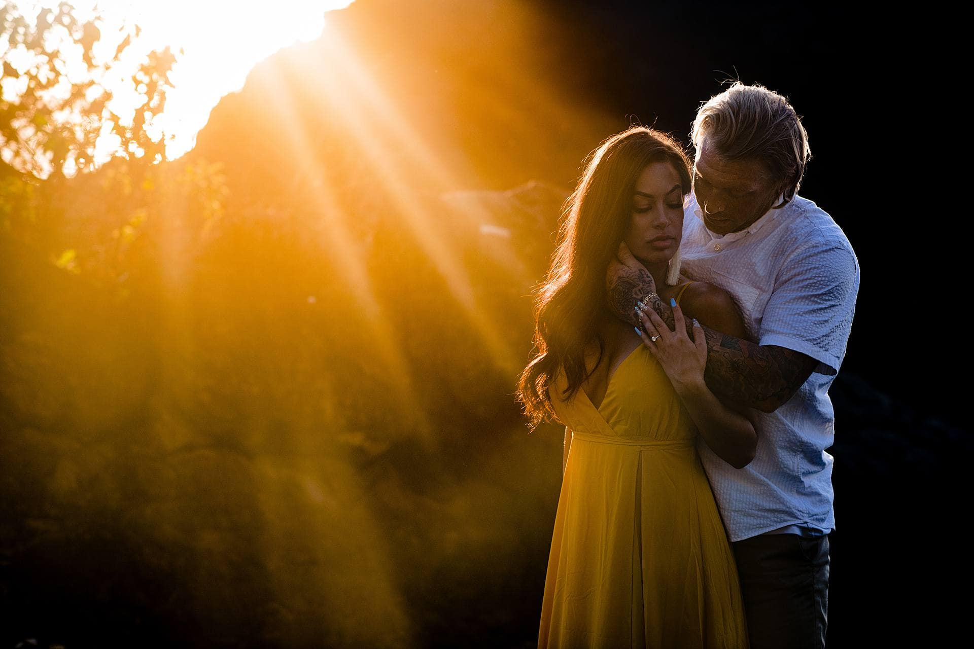 beautiful light during a couple's photo session in maui