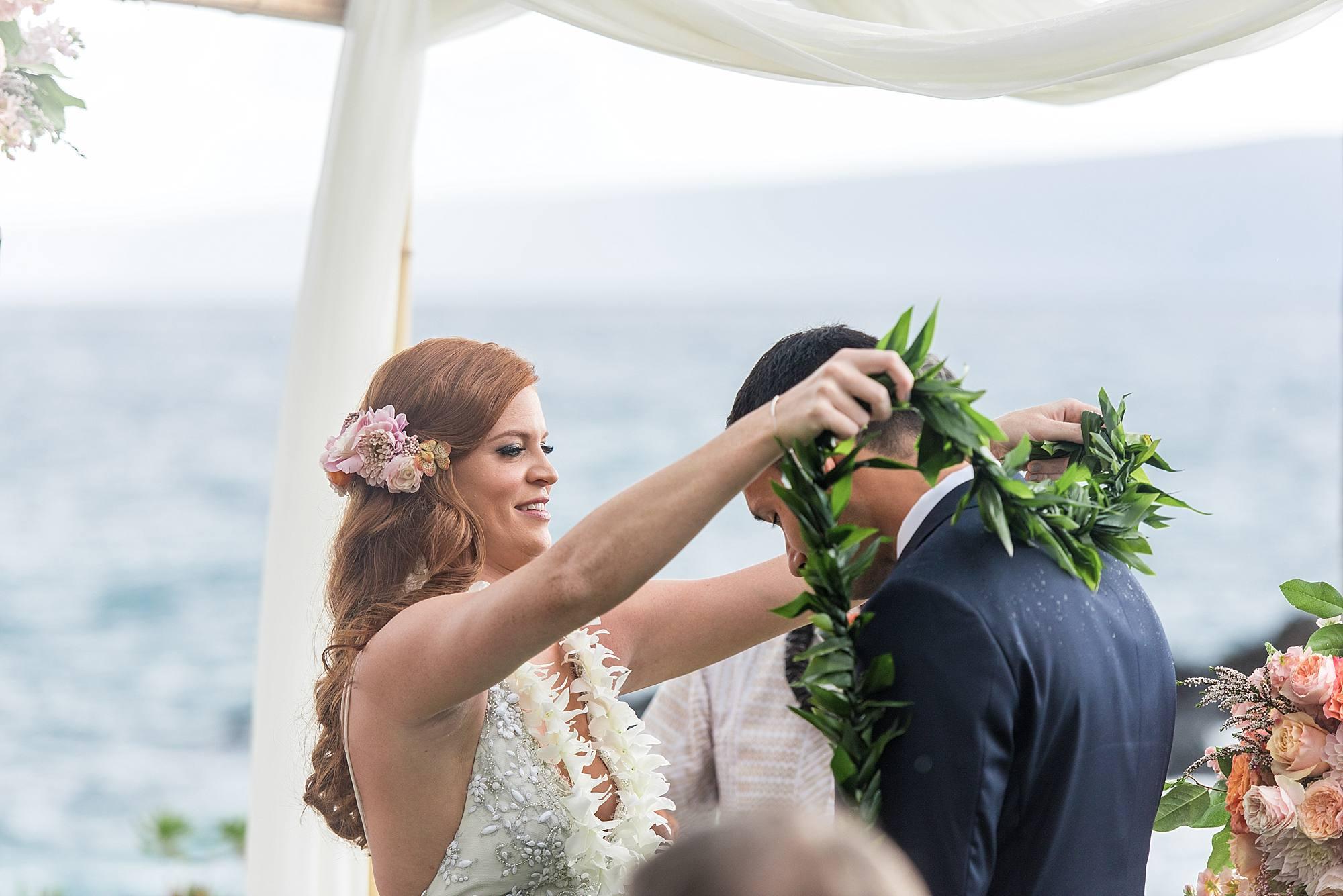 gorgeous-maui-wedding-at-sugarmans-estate_0028