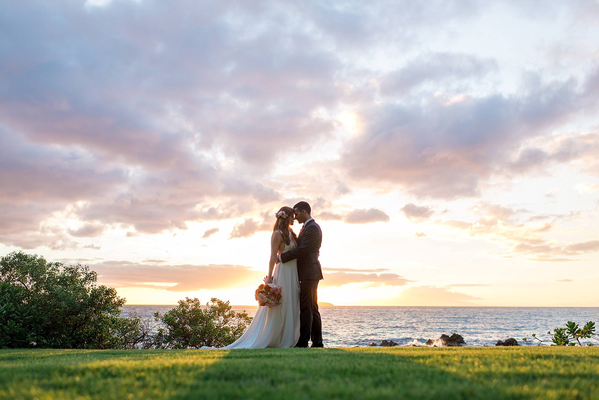 gorgeous-maui-wedding-at-sugarmans-estate_0052