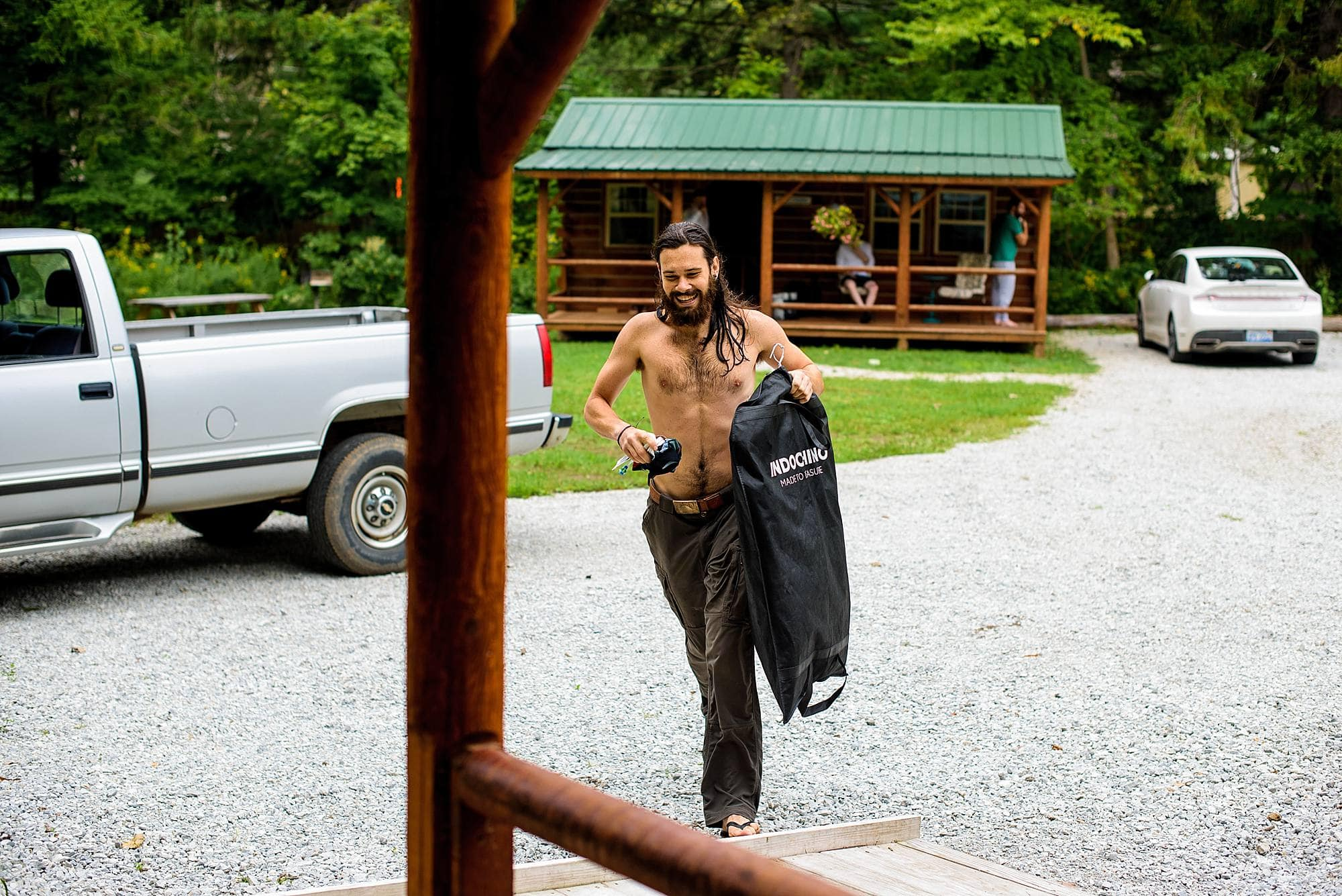 groom running to get ready