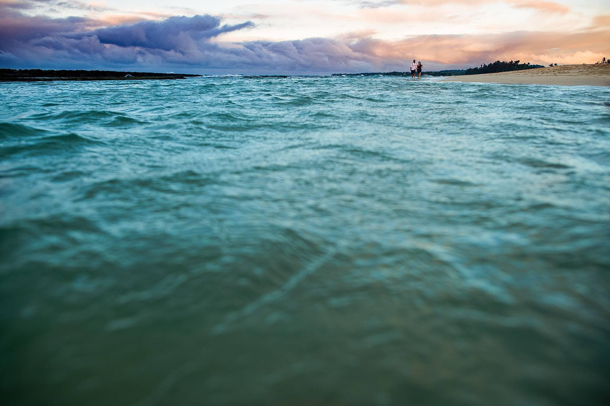 ocean photography with a couple in maui, hawaii