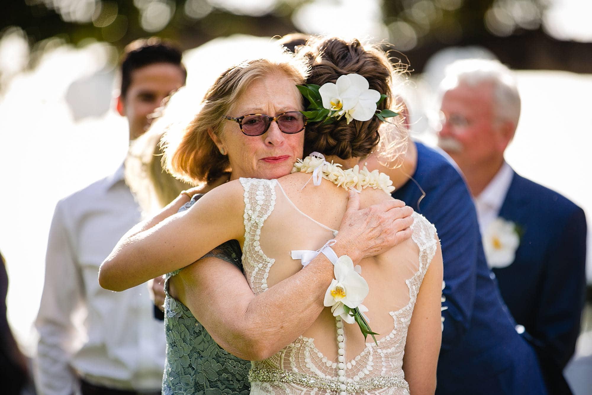 emotional maui wedding photos
