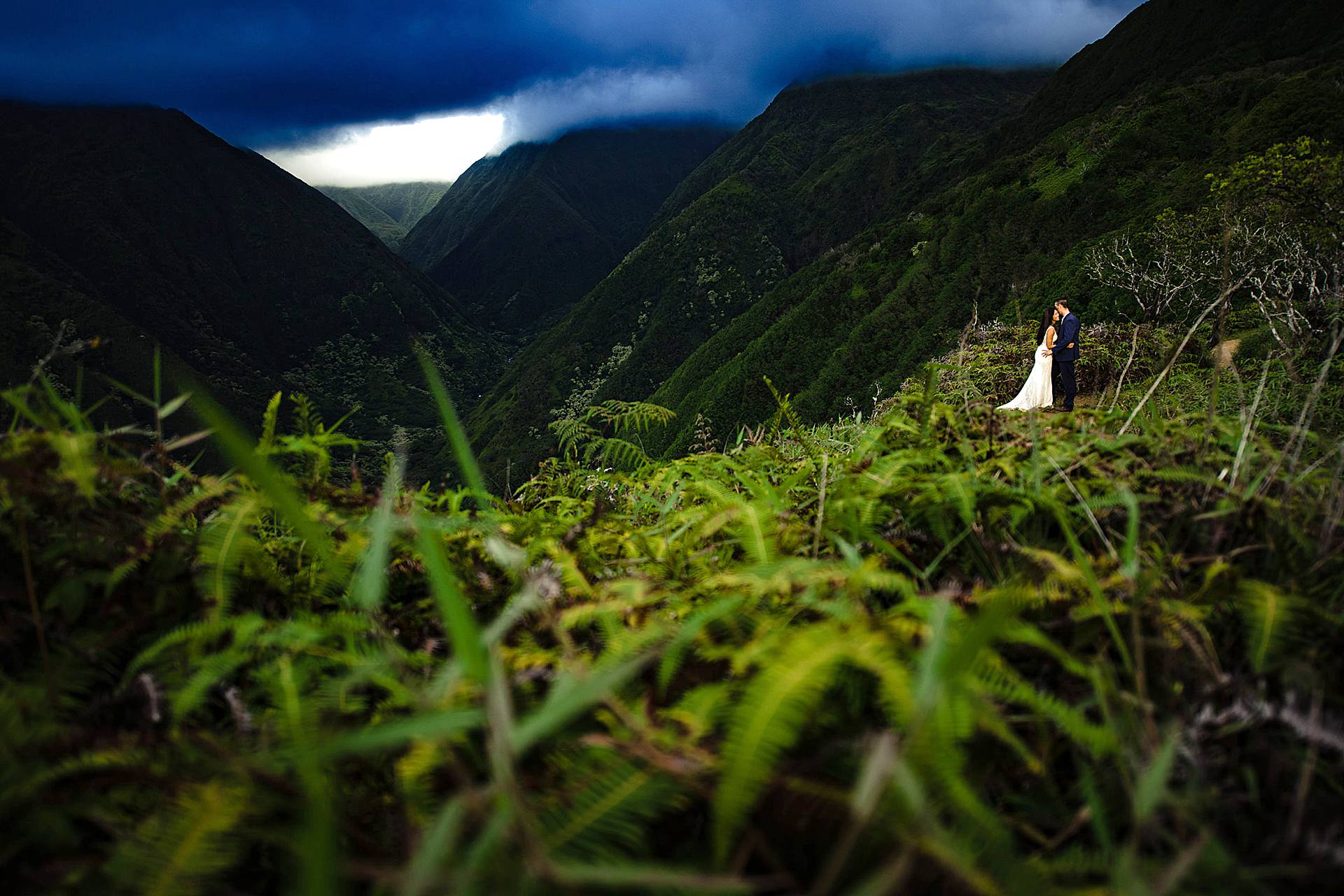 maui elopement photographer in hawaii
